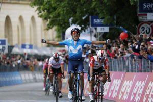 Giro d'Italia: Carapaz thắng chặng 4, Roglic gia tăng cách biệt, Dumoulin vỡ mộng Áo hồng