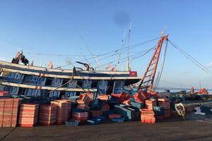 Quảng Bình: 1 người tử vong, 4 người nguy kịch vì ngộ độc khí trên tàu