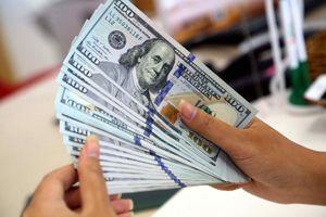 Giá USD giảm mạnh trước lo ngại lượng ngoại tệ lớn đổ về
