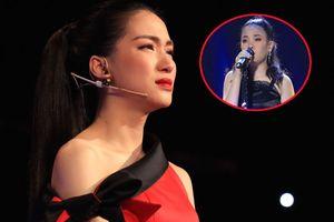 Hòa Minzy bật khóc khi học trò bị nhận xét hát không rõ lời, chọn sai bài