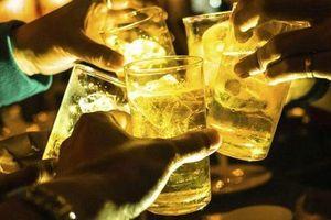 Mỗi người Việt tiêu thụ 43 lít bia trong 1 năm, sức uống vẫn còn 'sung'?