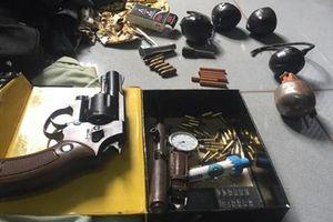 Bắt giữ 2 đối tượng buôn bán ma túy, tàng trữ súng đạn