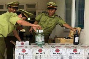 Quảng Bình: Bắt giữ gần 400 chai rượu nhập lậu