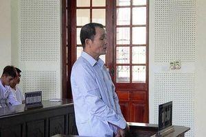 Dùng kiếm đâm chết con trai, thầy mo ở Nghệ An bị tuyên phạt 15 năm tù
