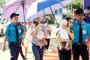 Đông đảo khách hàng đến tiêm chủng ngay ngày đầu khai trương Trung tâm VNVC Đà Nẵng