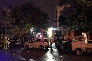 Hà Nội: Nữ tài xế bị người đàn ông đâm liên tiếp trên xe taxi
