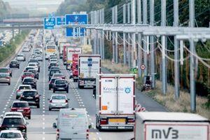 Đức thông xe đường cao tốc có khả năng nạp điện đầu tiên