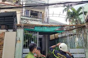 Giải cứu cụ ông bị liệt mắc kẹt trong ngôi nhà lửa bùng lên dữ dội ở Đà Nẵng