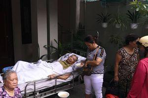 Cứu cụ ông bị liệt trong ngôi nhà bốc cháy ngùn ngụt ở Đà Nẵng