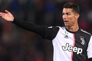 Ronaldo lại 'ghi điểm' theo cách đặc biệt