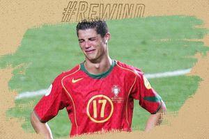 Ronaldo khóc cạn nước mắt sau cú sốc đầu tiên trên sân cỏ