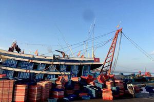 Ngư dân tử vong do ngộ độc khí trong khoang tàu cá
