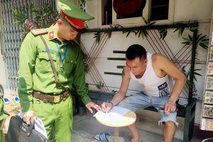 Quận Hoàn Kiếm ra quân lập lại trật tự hành lang đường sắt