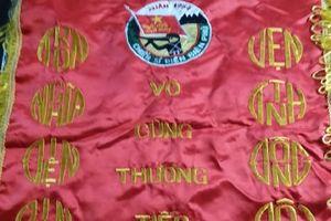 Chiến sĩ Điện Biên còn sống được tặng bức trướng 'cho người chết'