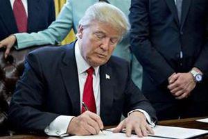 Tổng thống Mỹ ký sắc lệnh cấm sử dụng thiết bị viễn thông nước ngoài
