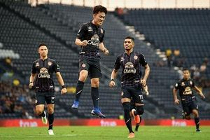 Màn ra dấu chiến thuật tinh tế của Xuân Trường giúp Buriram United đi tiếp tại League Cup