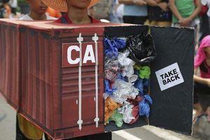 Canada không thu rác thải, Philippines triệu đại sứ về nước