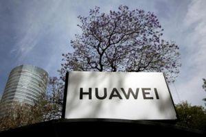 Mỹ tung hai đòn tấn công liên tiếp với Huawei