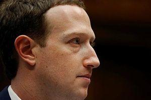 Cổ đông Facebook tìm cách 'lật đổ' Mark Zuckerberg