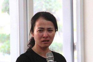 Giọt nước mắt hối hận muộn màng của nữ giáo viên đánh học sinh trong phòng thi