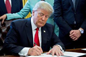 Tổng thống Donald Trump ban bố tình trạng khẩn cấp quốc gia trong chiến dịch triệt tiêu Huawei