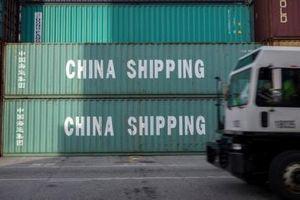 Doanh nghiệp nhỏ ứng phó với việc áp thuế 25% hàng hóa Trung Quốc