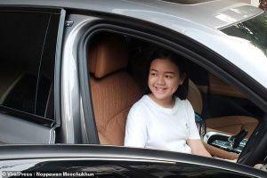 Beauty Blogger nhí tự sắm xe sang BMW dù mới 12 tuổi gây sốt cộng đồng mạng