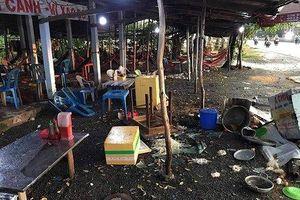 Khởi tố nhóm người đập phá quán ăn bị tố chặt chém, hành hung khách ở Long An
