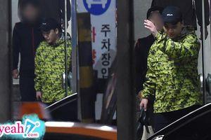 Seungri được bắt gặp đến phòng tập gym sau khi lệnh bắt giữ được bãi bỏ, Knet đay nghiến: 'Giờ này còn thể dục, thể thao'