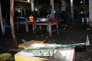 Quán nước 'chặt chém' khách bị 9 thanh niên đến đập phá
