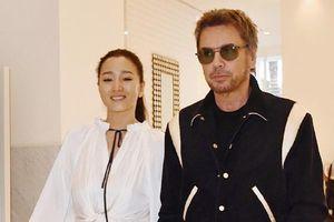 Củng Lợi tình cảm bên chồng 71 tuổi tại Cannes