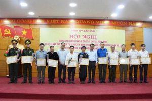 Khen thưởng tập thể, cá nhân tiêu biểu trong học tập và làm theo tư tưởng, đạo đức, phong cách Hồ Chí Minh