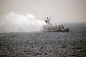 Bất ngờ quốc gia duy nhất dám bắn tên lửa vào tàu chiến Mỹ