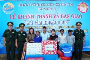 Trao 'Mái ấm khuyến học' cho học sinh nghèo biên giới