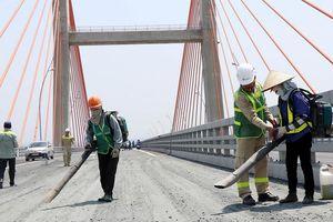 Dự kiến trước 30.5 hoàn thành 'bù vênh' cầu Bạch Đằng