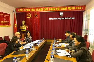 Canada is willing to support Vietnamese small and medium enterprises to integrate CPTPP