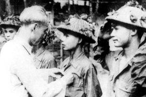 Kỷ niệm dự sinh nhật Bác Hồ của chiến binh bắt sống tướng De Castries