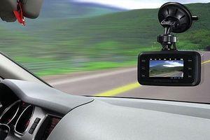 Bí kíp chọn camera hành trình cho ô tô tránh tiền mất tật mang