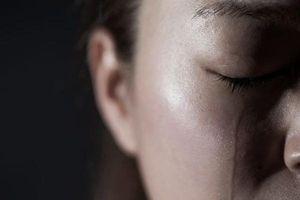 Đau đầu sau khi khóc có nguy hiểm không?