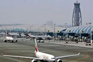 Máy bay cỡ nhỏ rơi gần sân bay Dubai làm thiệt mạng 4 người