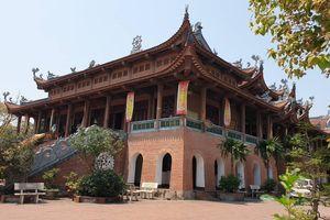 Chùa Bầu - ngôi chùa lớn nhất thành phố Phủ Lý, Hà Nam