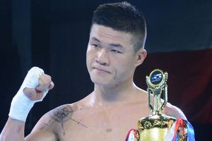 Nhìn nam vương boxing Việt Nam thắng knock-out, Flores có sợ?