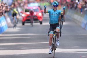 Giro d'Italia: Bilbao giành chiến thắng ở một chặng đua điên khùng khác