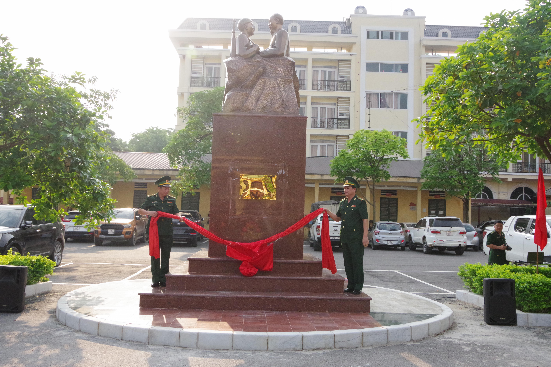 BĐBP Lạng Sơn: Khánh thành tượng đài 'Bác Hồ với chiến sĩ Biên phòng'