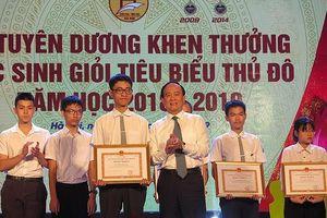 Hà Nội: Tuyên dương 1.000 em học sinh giỏi tiêu biểu