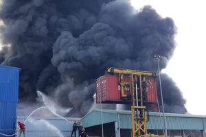 Hỏa hoạn ở khu nhà xưởng công ty nhựa tại Hải Phòng