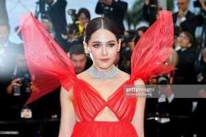 Thảm đỏ Cannes 2019 ngày 4: Sao Thái đọ sắc Hoa ngữ, Chompoo Araya hay Quan Hiểu Đồng nổi bật?