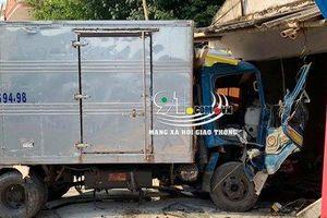 Nam Định: Xe tải mất lái đâm vào nhà dân, tài xế bị thương nặng