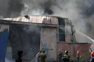 Hải Phòng: Cháy lớn tại kho xưởng công ty Phú Lâm
