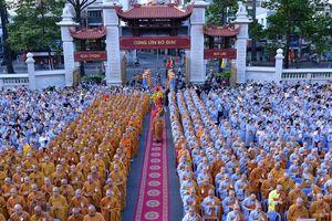 Người dân TP HCM mừng lễ Phật đản